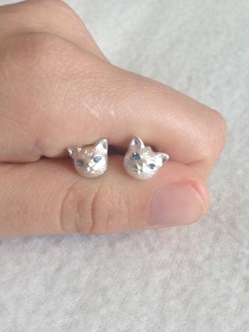 Cat earing