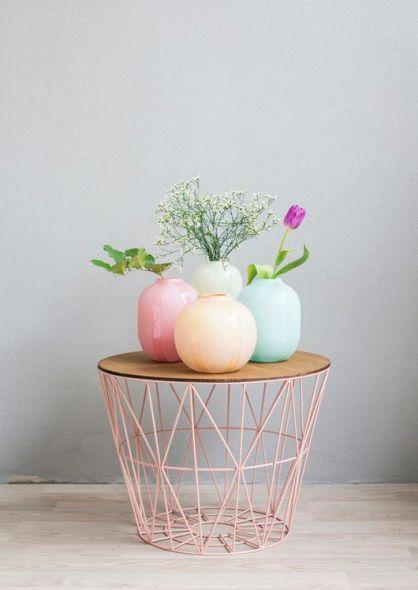 vases pastel